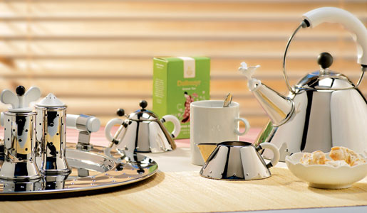 alessi-9093-michael-graves-kettle