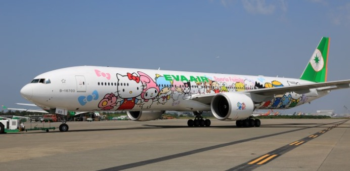 777-hello-kitty-jets-22_tcm44-19893