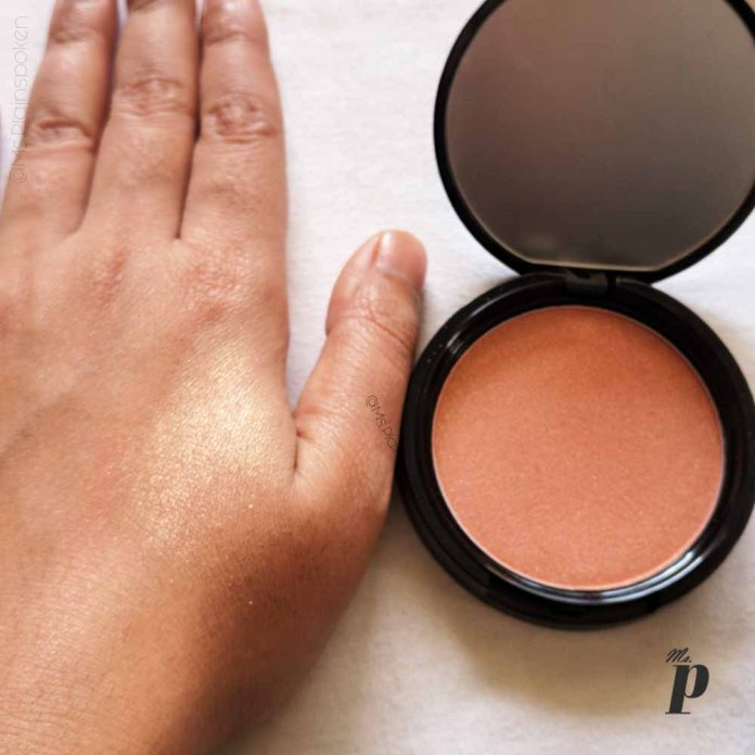 NYX Highlighter Illuminator Magnetic Review Swatches on dark skin_ swatch close up