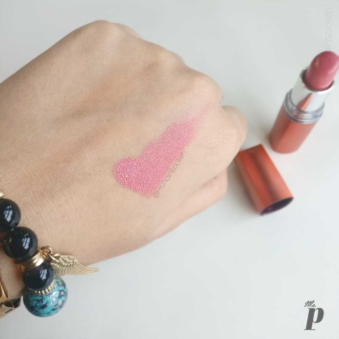 maybelline colour sensational moisture extreme lipstick shade coral pink CB41 swatches and review 1 (6)