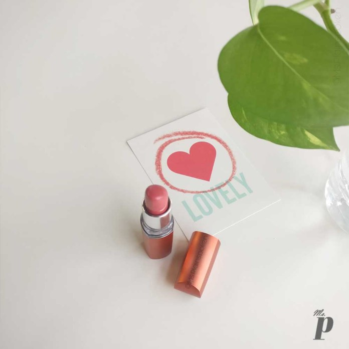 maybelline colour sensational moisture extreme lipstick shade coral pink CB41 swatches and review 1 (7)