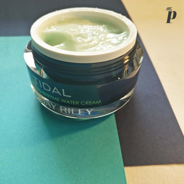 Sunday Riley Tidal Brightening Enzyme Water Cream Review India_texture (9)