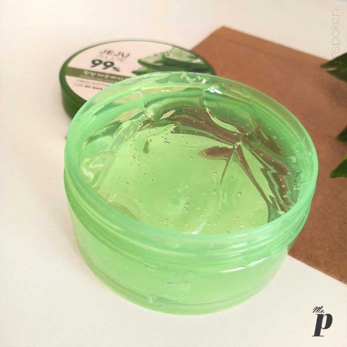 the-face-shop-jeju-aloe-99-fresh-soothing-gel-review-ways-to-use-consistency-texture
